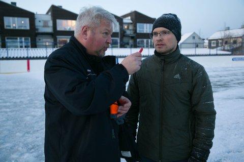 SAMHOLD: Det er godt samhold i Kirkenes Puckers, men de savner en ishall, sier William Sjøstrand (til venstre) og Jørn Solhaug.