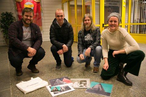 FRIFORM: Per Anders Store, Jan Arne Stavik Karlsen, Kjell Gunnar Monsen og Lisa Finnøy Ugelvik er med i Friform Kirkenes. Neste fredag kommer en av favorittartistene deres til Kirkenes.