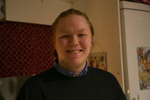BLID: Finn-Håkon Sneve Steinbakk er blid for tiden. Livet smiler. Han stortrives i Sør-Varanger og som leder for Senterpartiet.