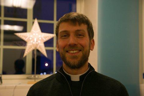 PREST: Sør-Varanger menighet har sine utfordringer med å få nok prester på plass, men jula er en stor høytid for menigheten og for sokneprest Einar Aksel Rånes Fagerheim.