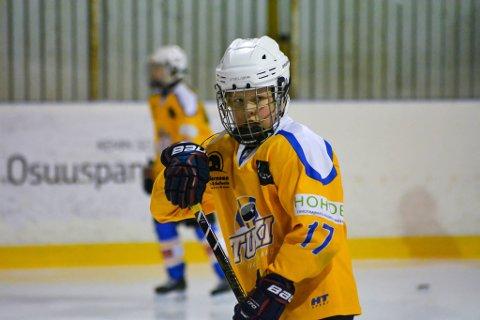 FORNØYD: Sivert Bangsund Pedersen stortrives på ishockeyakademiet i Rovaniemi.