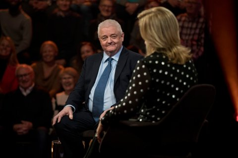 HOS LINDMO: Frode Berg og hans kone Anita er gjester hos Lindmo fredag kveld.