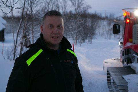 LØYPELEGGER: Sture Sivertsen i Barentshallen er en av fire som ordner skiløyper for kommunens skigåere.