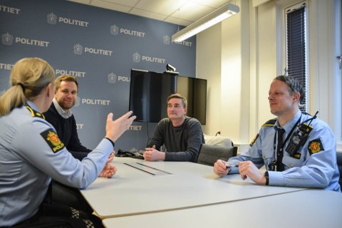 BEKYMRET: Marte Lysholm, Espen Bruer, Torgeir Skogan og Thomas Pettersen møtte pressen for å fortelle om situasjonen som nå utspleiser seg blant ungdommen i Sør-Varanger.