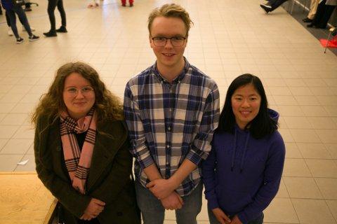 HJEM: Både Maja Thrane (18), Benjamin Bergren (19) og Gina Skulbru (18) går sisteåret på Kirkenes videregående skole. Nå skal de ut i den store verden, uvisse på om de flytter hjem igjen.