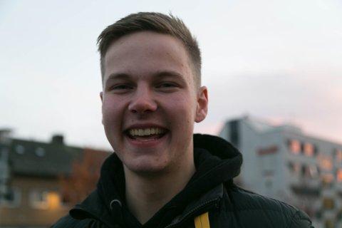 DATE: Lars Henrik Bjørkli Kristiansen fra Elvenes ble utfordret og meldte seg på Første date på TVNorge.
