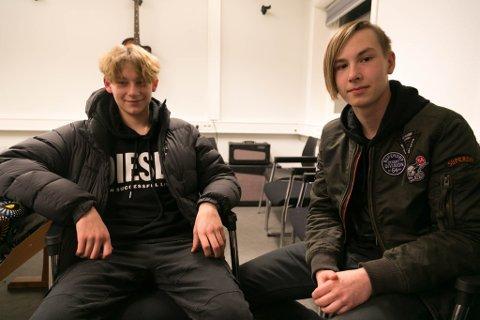 STERKE MENINGER: Femtenåringene Alexander Krogh (til venstre) og Denis Nefedov har fått alt de ønsket seg på nye Basen.