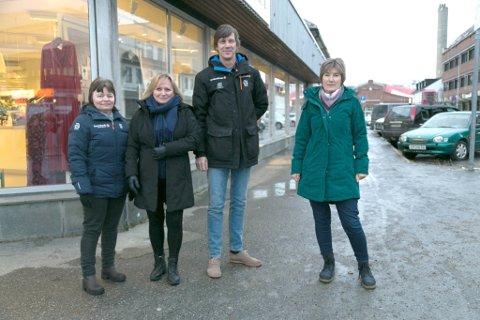 FLYTTER: I flere tiår har Sparebanken Nord-Norge vært i Wiuls gate 3 (til høyre i bildet). Nå flytter Mona Ingebrigtsen, Merethe Hansen, Ketil Tallberg og Vigdis Skibnes til Fretex-bygget (i bakgrunnen).