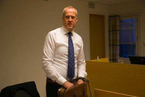 PÅSTAND: Aktor Lars Fause la ned påstand om tre og en måned fengsel for tiltalte etter Bugøyfjord-brannen.