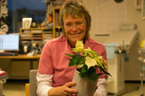 JULESTJERNE: Mona Søndenå fikk tirsdag vite at hun var årets finnmarkslege for 2020.