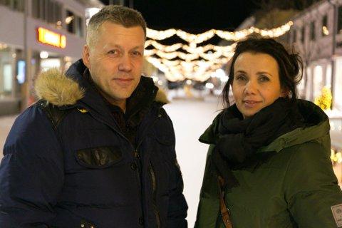 """GÅGATA: Lillann Nyland og Steinar Kyrrø har laget en norsk versjon av den legendariske julesangen """"The Little Drummer Boy"""". Og laget en lokal musikkvideo attpåtil."""