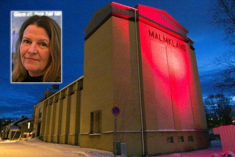 BENTE: Bente S. Andersen synes det var rørende å være tilbake i Malmklang. Nå kan det bli nytt liv i bygget.