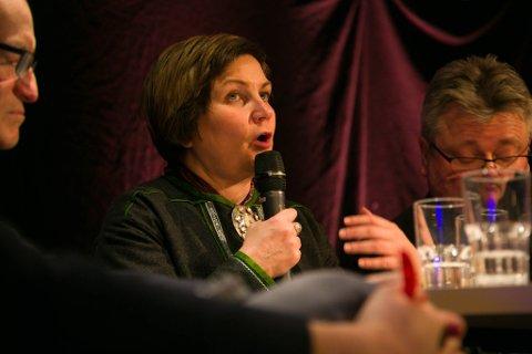 ENGASJERT: Aili Keskitalo debatterer engasjert om konsekvensene ved en jernbaneutbygging.