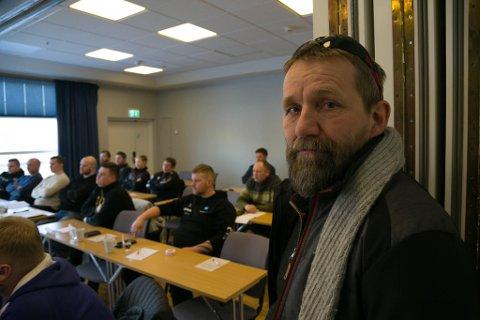 KURS: Prosjektleder Stein Are Ulvang i Fiskebeck Håndverk er glad for at byggbedriftene i Kirkenes stilte på et kurs om asbesthåndtering.