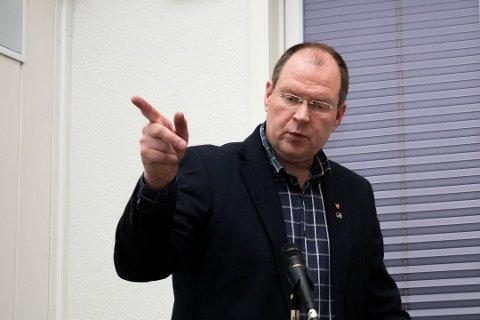 SVAR: Høyres Eilif Johannesen og resten av opposisjonen krever svar fra fungerende ordfører.