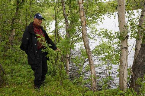 SKEPTISK: Einar Berg har jobbet flere tiår i Sydvaranger gruve, men nå er han pensjonist. Han tror det skal holde hardt for gruva å rekke oppstart i 2021.