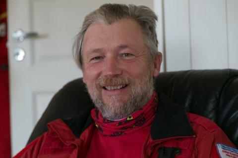 TRIVES: Morten Kvammen stortrives ved Ambulansen i Sør-Varanger.
