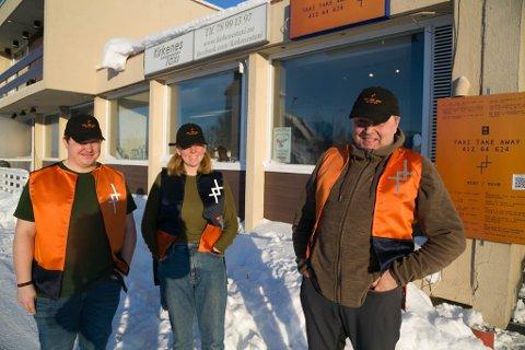 PROSJEKT: I oktober ble drosjeleder Bjørn-Eirik Mikkola (til høyre) kontaktet av kunstnerne Kvae &Bjørk, Karoline Sætre og Øyvind Novak Jenssen. Nå er prosjektet i gang.