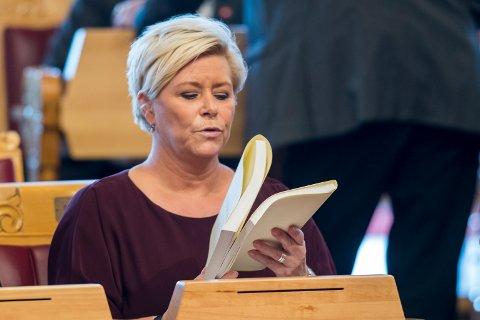 STATSBUDSJETT: Finansminister Siv Jensen (Frp) før fremleggelsen av regjeringens forslag til statsbudsjettet 2018 på Stortinget klokken 10.
