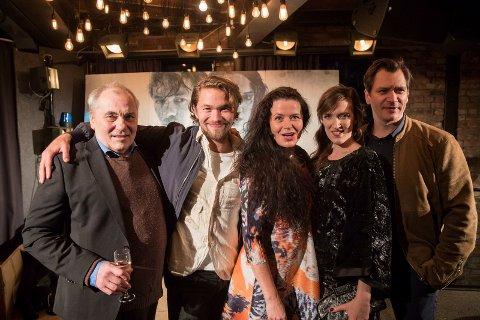 Skuespillerne: Bjørn Sundquist, Jakob Oftebro, Gørild Mauseth, Ingvild Holthe Bygdnes og Per Kjerstad spiller i Monster.