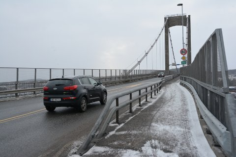ØKT TRAFIKK: I forbindelse med stengingen av E18 vil trafikken øke fra 10.000 til over 20.000 biler i døgnet over Breviksbrua.