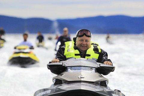 VIL STOPPE: Bård Hoksrud vil prøve å få ugyldiggjort den felles uttalelsen fra Grenlandsrådet i forhold til vannscooterdirektivet. Saken har ikke vært behandlet i kommunestyret i Bamble. Han tar saken til kontrollutvalget, der han selv er leder.