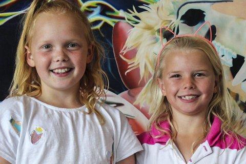 Litt rart: Thea Michelle Faye Werner (9) og Janine Klausen (8) synes utstillingen besto av litt rare og litt fine ting.