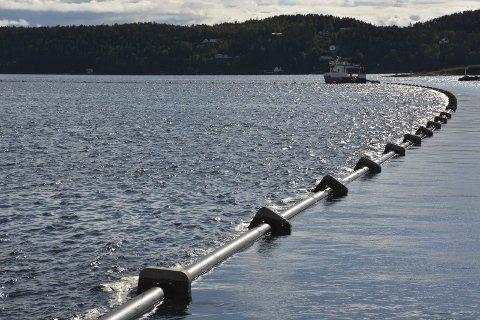 Sikrer: Denne rørledningen skal sikre vannforsyning til Kragerø sentrum dersom den gamle bli utsatt for brekkasje.