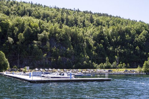 INNBRUDD: En båt som lå fortøyd i Vrakvika båthavn på Ørvik ble frastjålet en rekke verdier.