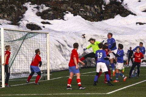 Scorer: Sindre Stenger Vala stanger inn Sannidals fjerde mål i kampen mot Gjerpen etter corner.