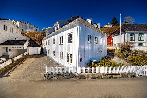 Barthebrygga 10, rederhus fra seilskutetiden, ble solgt for 11 millioner kroner