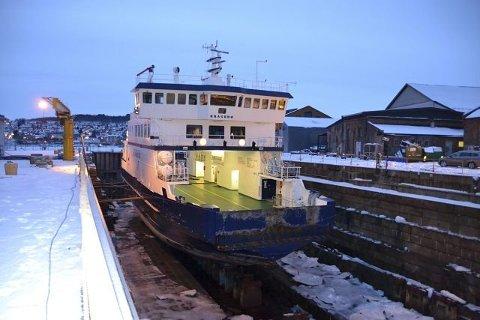 I DOKK: MF «Kragerø» må i dokk etter lekkasje i propellakslingen. Dette bildet er tatt under et tidligere opphold i tørrdokk.