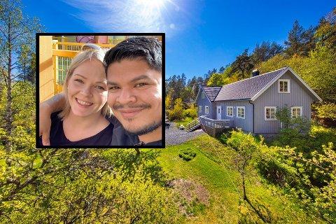HÅPER PÅ SALG: Charlotte og Ole-Jacob Hasseldal har hatt huset sitt på boligmarkedet i et halvt år, men ingen har så langt vist interesse.