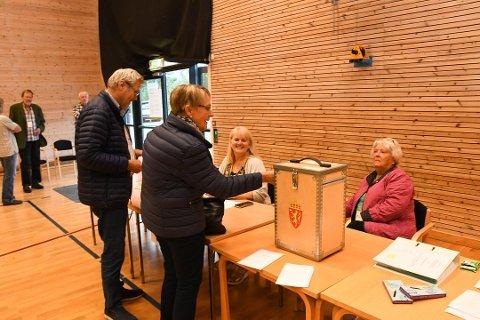 I Helle valgkrets, der dette bildet er hentet fra, var Arbeiderpartiet og Senterpartiet i en egen klasse, når det gjelder valgoppslutningen.