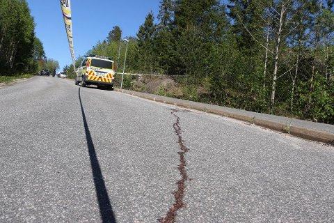POLITIET LØSNET SKUDD: Det var 15. mai i fjor at politiet fikk melding om en utagerende mann med kniv i Drangedal. Hendelsen endte med at en 31-åring ble skutt i beinet.