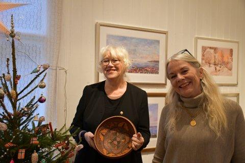FELLES UTSTILLING: Christina Kløvig og Ellen Ørnes har utstilling sammen i Løkkebakken.