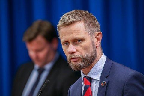 Helseminister Bent Høie (H) på felles pressekonferanse med Folkehelseinstituttet og Helsedirektoratet om spredning av koronaviruset blant befolkningen.