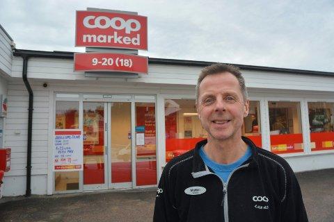 INNBRUDD: Morten Gare utsiden av butikken. Bildet er tatt ved en tidligere anledning.
