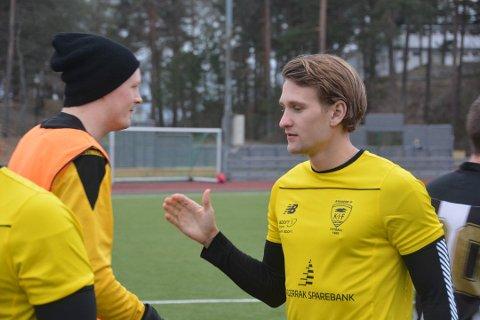 Klar for Pors. Mats Bruu (t.h) er klar for Pors. Bruu har erfaring fra spill i klubber som Kragerø, Skarphedin og senest Urædd.