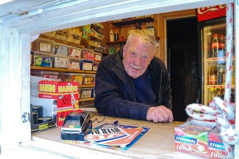 INNBRUDD: Fred Pedersen i Portør opplevde natt til mandag innbrudd i kiosken sin.