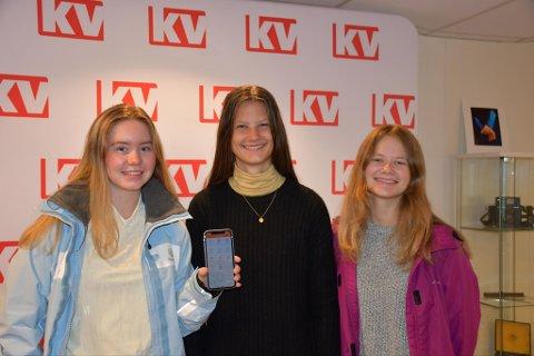 GRÜNDERE: Julie Sørby Andersen, Aurora Kjærra Williams og Emma Hegland er gründerne bak den nye Kragerø-appen.