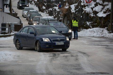"""Politiet gjennomførte trafikkaksjon ved skolestart ved Kragerø skolesenter fredag morgen. Dette bildet er tatt i """"skolekrysset"""" ved en tidligere anledning."""