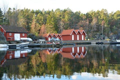 Det er her i Eidkilen at brødrene Kjetil og Grunde Valldal ønsker å etablere et midlertidig bakeriutsalg i sommer.