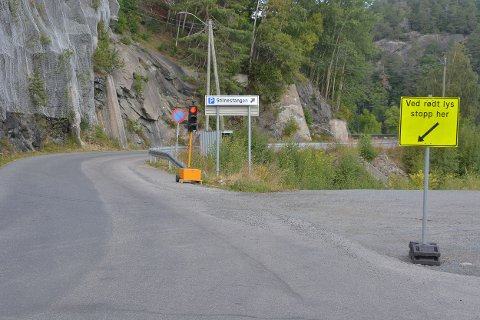 Trafikklys ved inngangen til Sandåsen fra Stilnestangen.