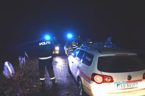 Politiet og dei andre naudetatane kom raskt til ulukkesstaden. (Foto: Tomas Bruvik).