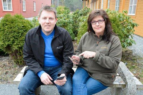 Oddvar Eikenes skal førelesa om nettvett for foreldre. FAU-leiar Marita Totland vonar mange tek turen.