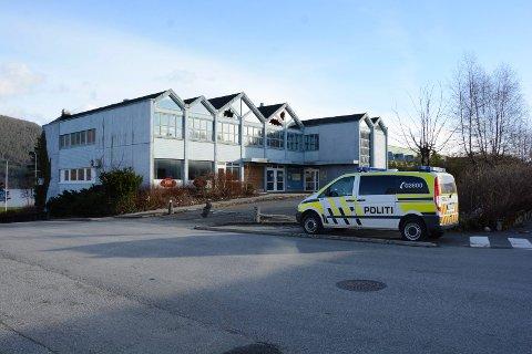 Politiet fekk ikkje tak i personen som oppheldt seg ulovleg på Husnes hotell.