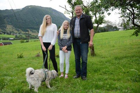 Til neste år blir Jorunn (15), Hilde Marie (11) og Hans Ølver Sandvik frå Omvikdalen å sjå i ein ny NRK-serie.