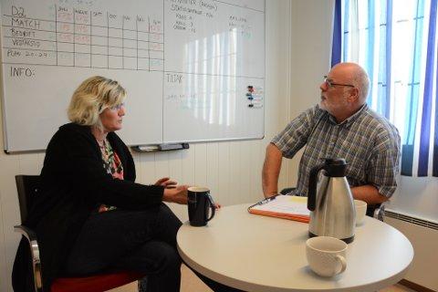 Teamleiar på mottak, Christina Mehl, og Nav-sjef i Kvinnherad, Arild Berg, seier dei merkar fleire konkursar i Kvinnherad, fordi talet på arbeidslause i Kvinnherad har auka. Det betyr fleire personar i Nav-systemet og meir jobb for dei tilsette.