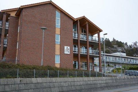 Det er mykje som tyder på at det kan bli middagsproduksjon for kommunen igjen i Dill sine lokale på Halsnøy. (Arkivfoto)